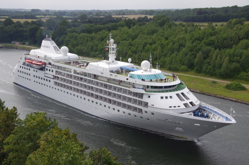 Image of SILVER CLOUD