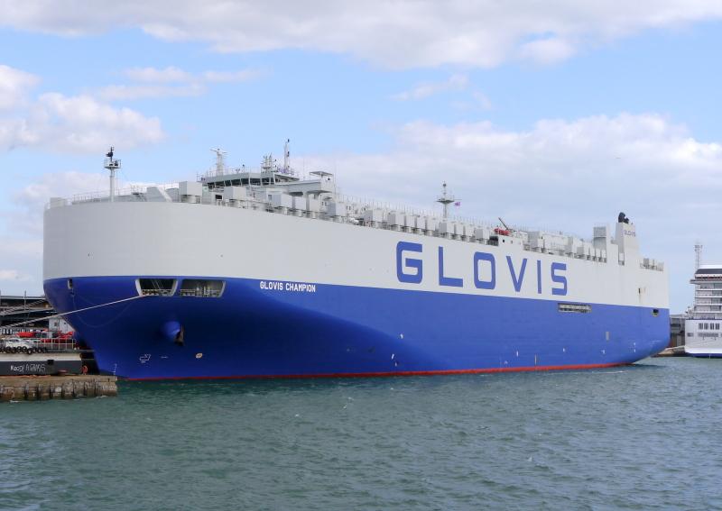 Image of GLOVIS CHAMPION